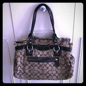 Authentic coach shoulder bag - EUC!